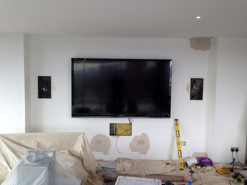 Glasgow penthouse in wall Speakers