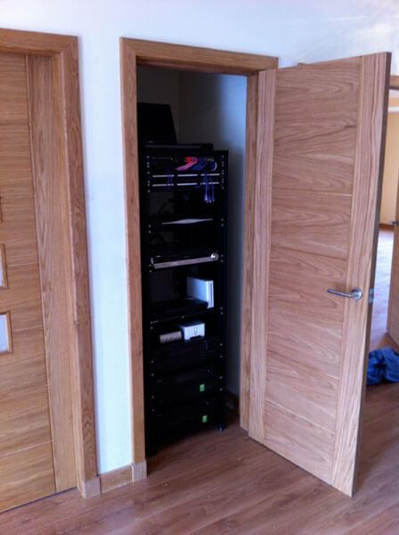 HDTV installs Bothwell AV rack