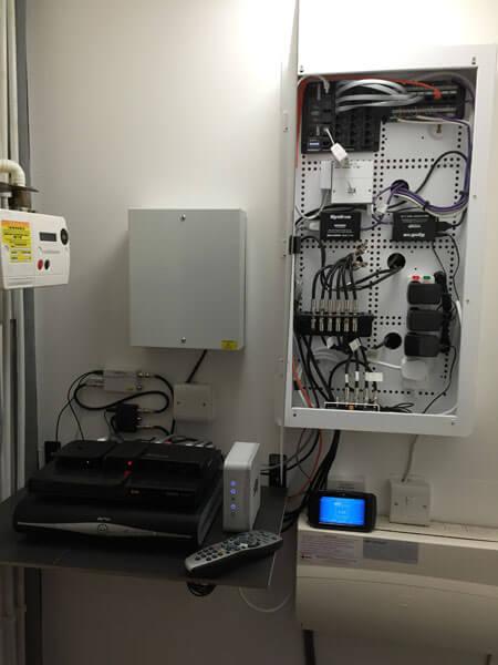 HDTV installs Hyndland AV cupboard